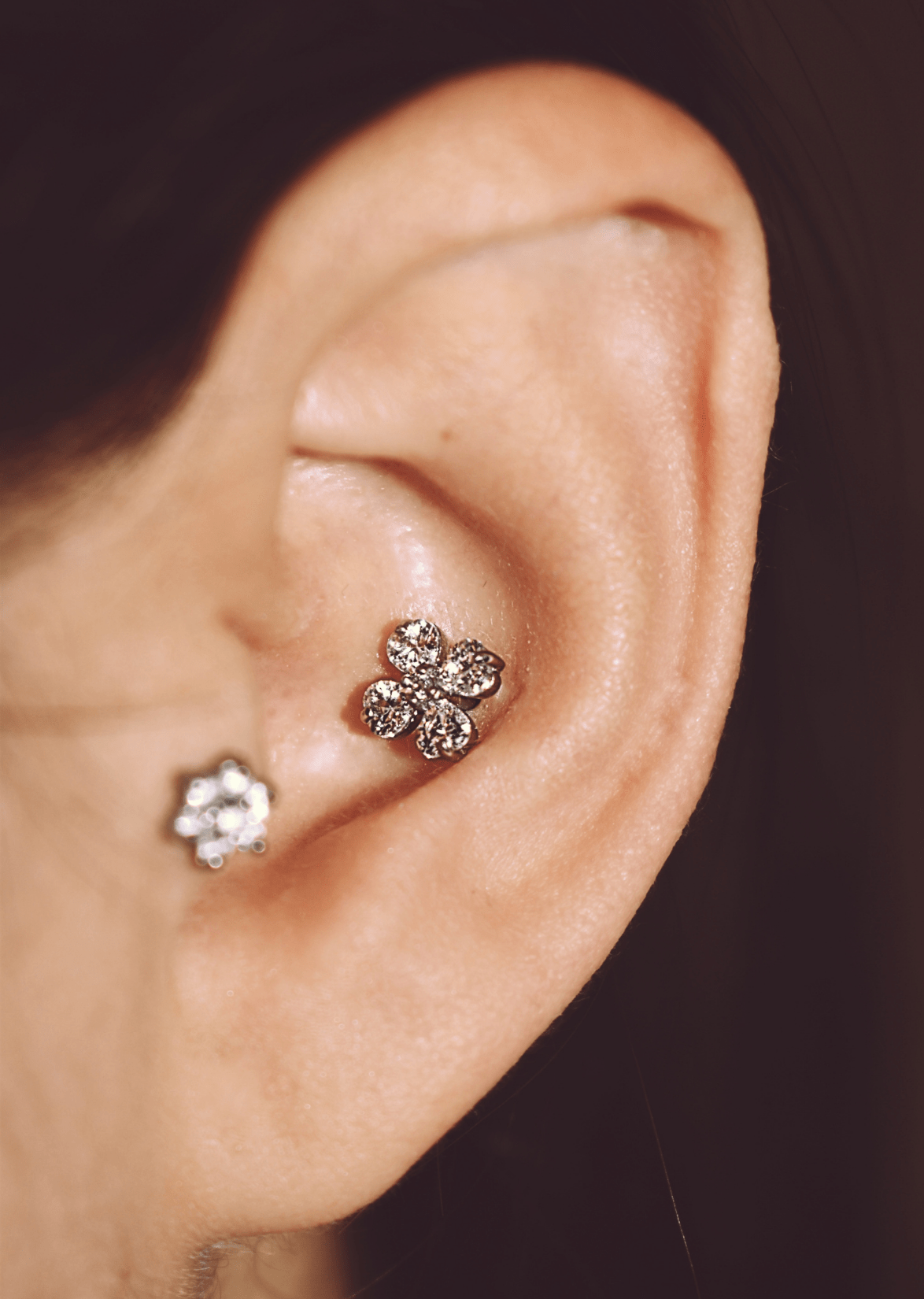 urbansin-piercing-conch-helix-afrodite-style